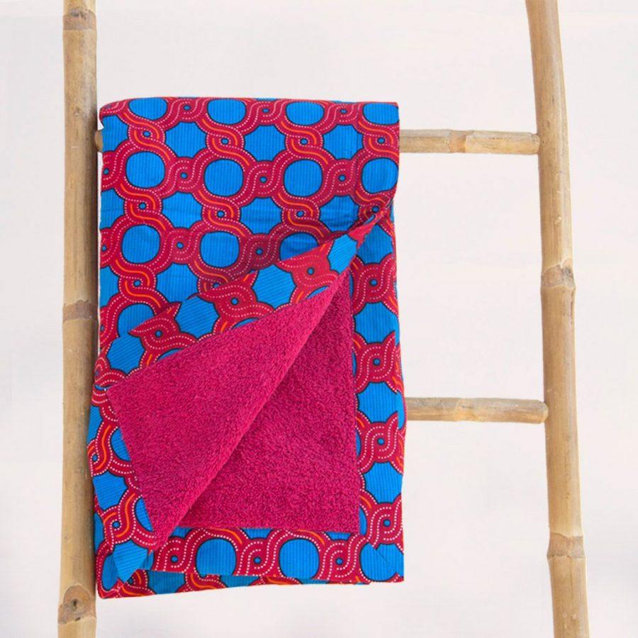 Toalla playa tela africana wax estampada azul roja ukat