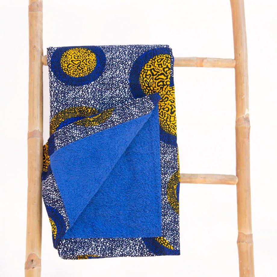 Toalla-playa-tela-africana-wax-estampada-redondas-azul-amarilla-ukat