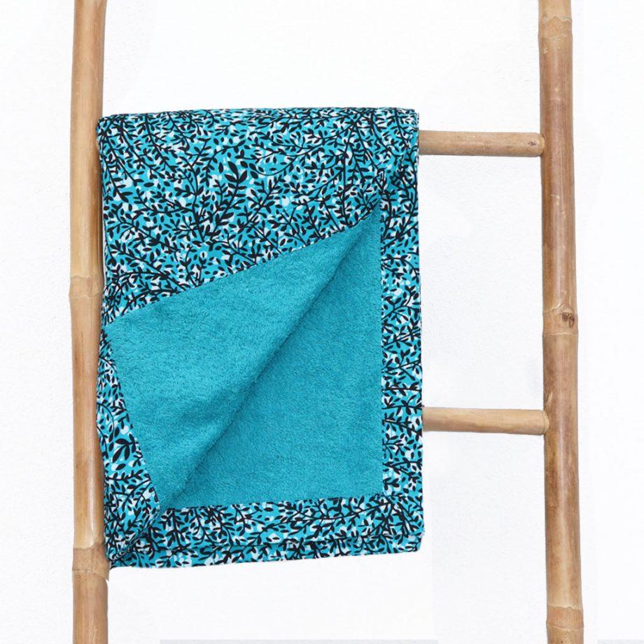 Toalla-playa-original-tela-wax-etnica-azul-turquesa-flores-ukat_