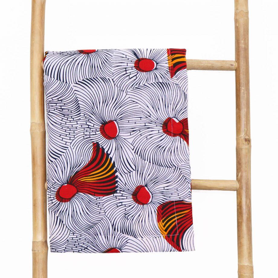 Toalla-playa-original-tela-wax-etnica-blanca-roja-amarilla